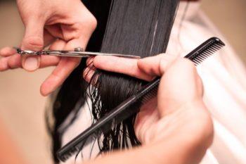 Как ровно срезать волосы